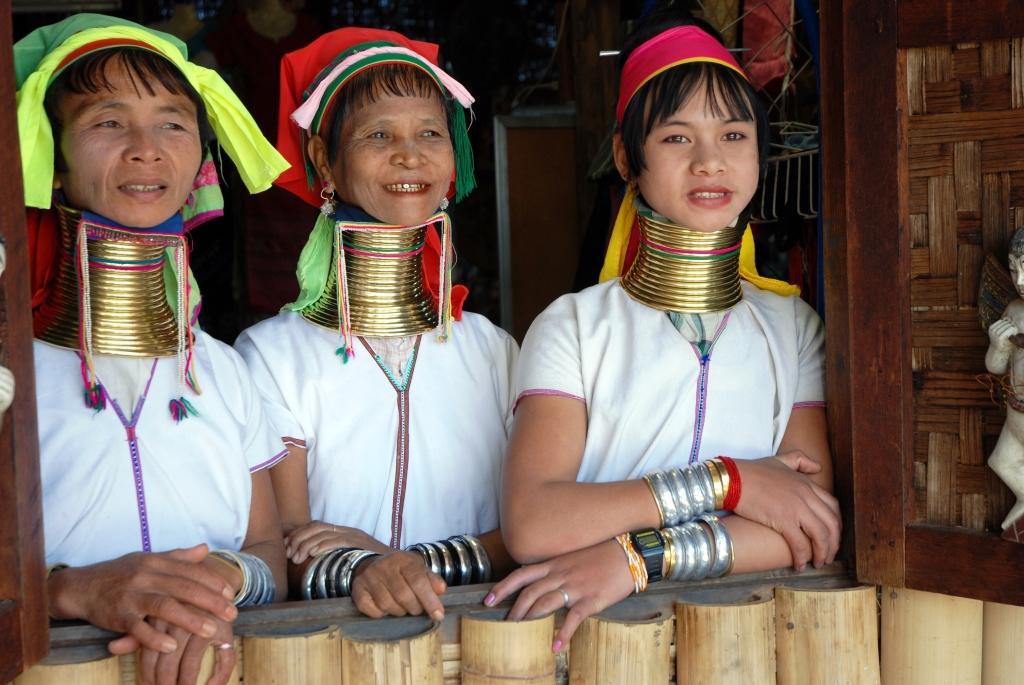 Kayan_women_Burma_1
